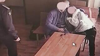 Rusa esposa chupa marido zeku dick en un sala de citas