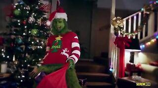 El Grinch robó la Navidad y se folló a la hija del maestro.