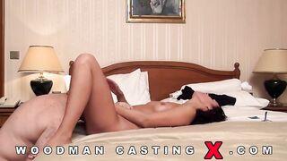 La checa Jane Classy organizó una carrera anal en la polla de Pierre Woodman